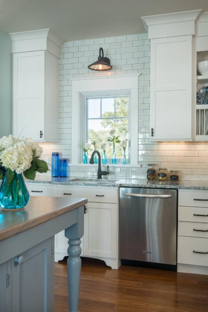 Green on Great Island beach-style-kitchen