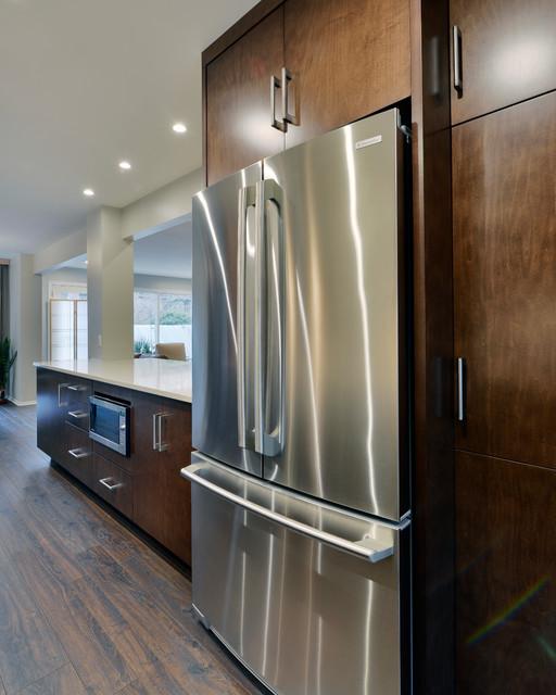Green residence modern kitchen ottawa by deslaurier custom