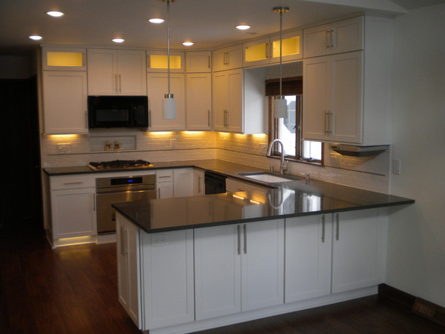 Greendale Modern Kitchen Makeover with White Cabinets