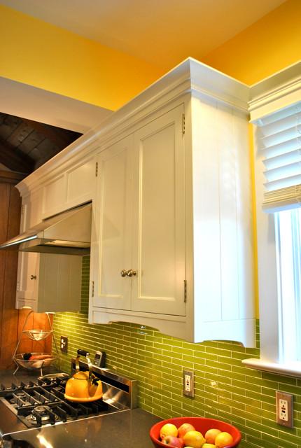 Greene & White Kitchen traditional-kitchen