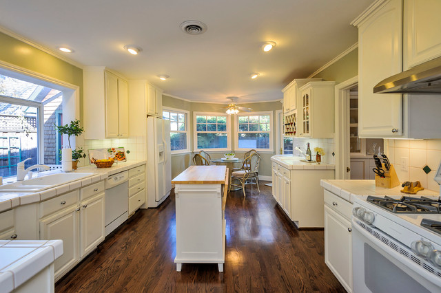 Greenwood Avenue traditional-kitchen