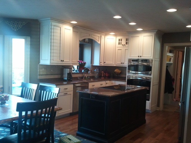 Greenwood Home Traditional Kitchen Indianapolis By Distinctive Kitchen And Bath Inc