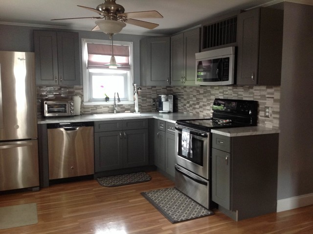 Grey shaker kitchen cabinets modern kitchen for Kitchen cabinets houzz
