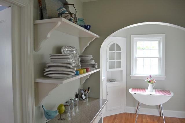 Grey/White Kitchen traditional-kitchen