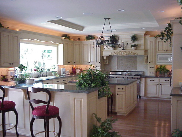 Griffith traditional-kitchen