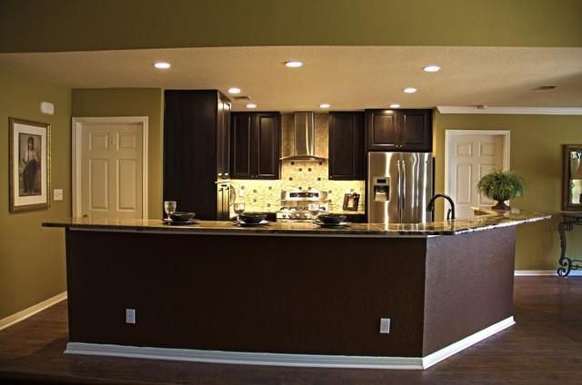 Gruene Kitchen traditional-kitchen
