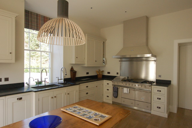 Guild Anderson Hand Painted Kitchen And Dining Space
