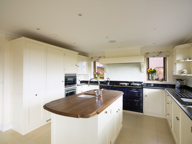 Guildford painted kitchen designed and made by tim wood for Kitchen ideas guildford