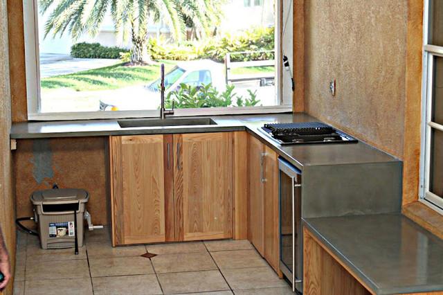 Gulfport Florida outdoor kitchen contemporary-kitchen