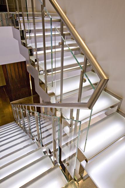 Gustavson Dundes Architecture contemporary-kitchen