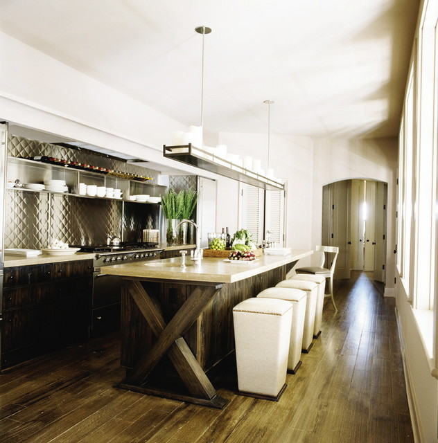 Gwinn Beach Beach Style Kitchen By Ray Booth Of Mcalpine