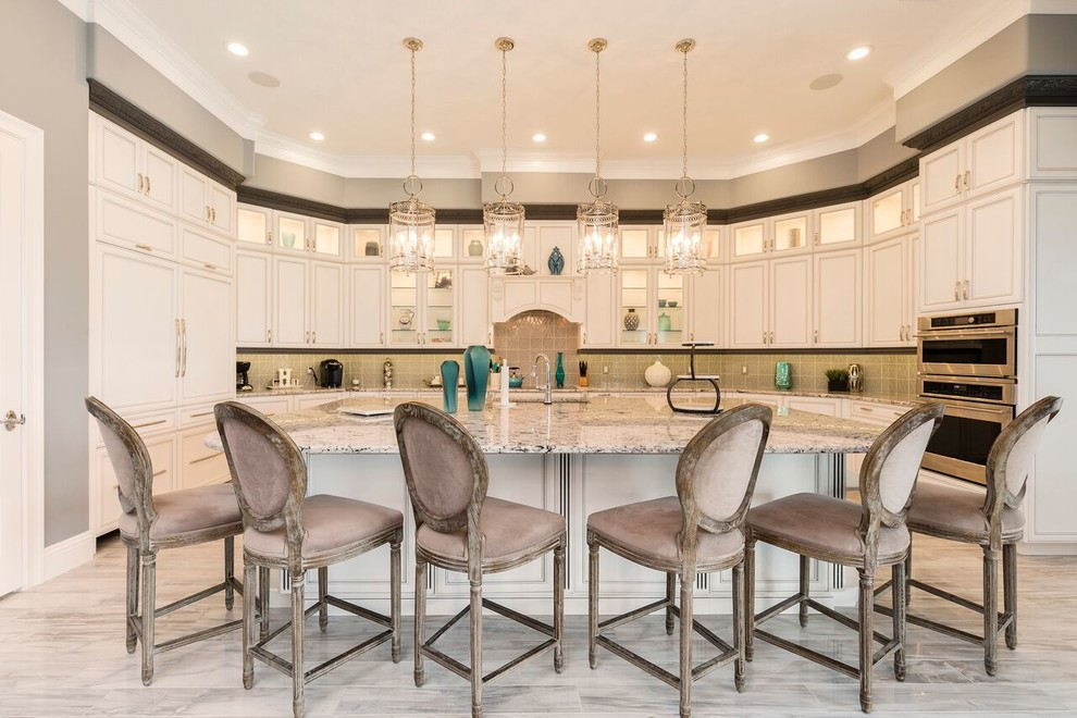 Inspiration for a transitional kitchen remodel in Orlando