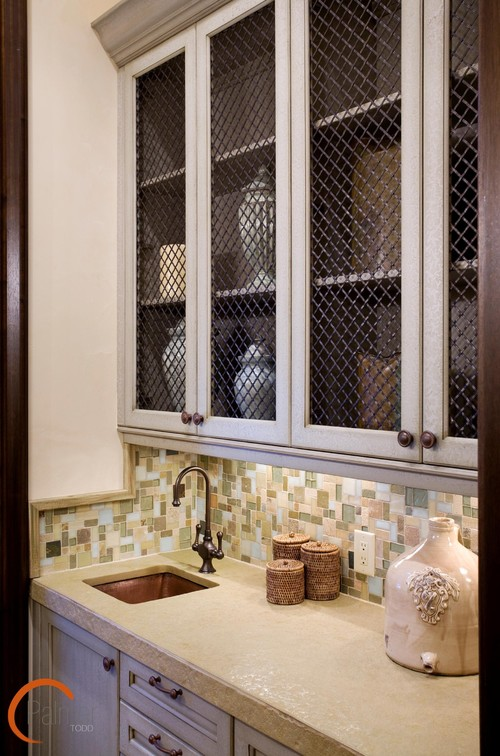 Decorating With Chicken Wire