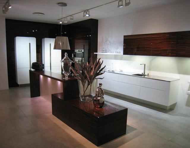 Hacker Kitchen Showroom in Germany modern-kitchen