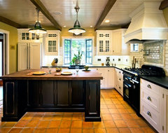 Hahka Happy Cottage Kitchen traditional kitchen