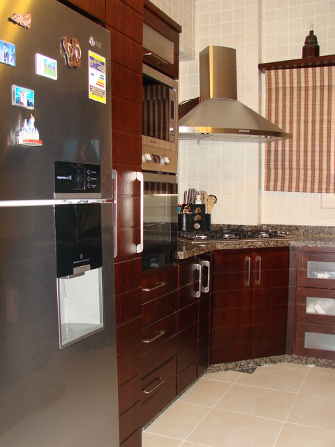 Hala & Wael modern kitchen