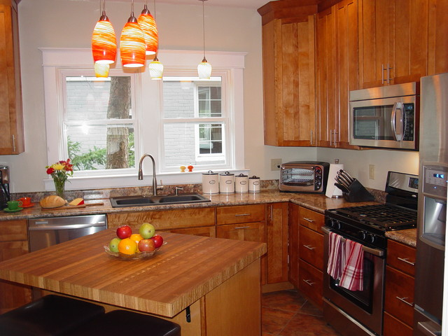 Hamlet kitchen traditional-kitchen