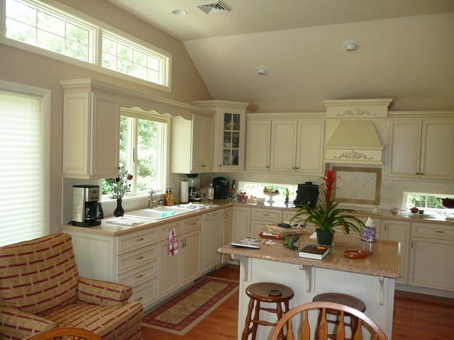 Hammock Kitchen traditional-kitchen