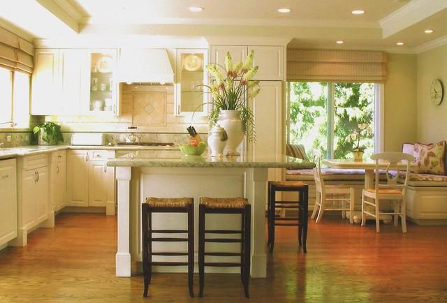 Hampton traditional-kitchen