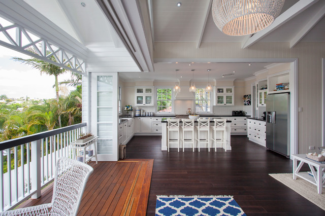 Inspiration For A Large Beach Style U Shaped Eat In Kitchen Remodel Brisbane