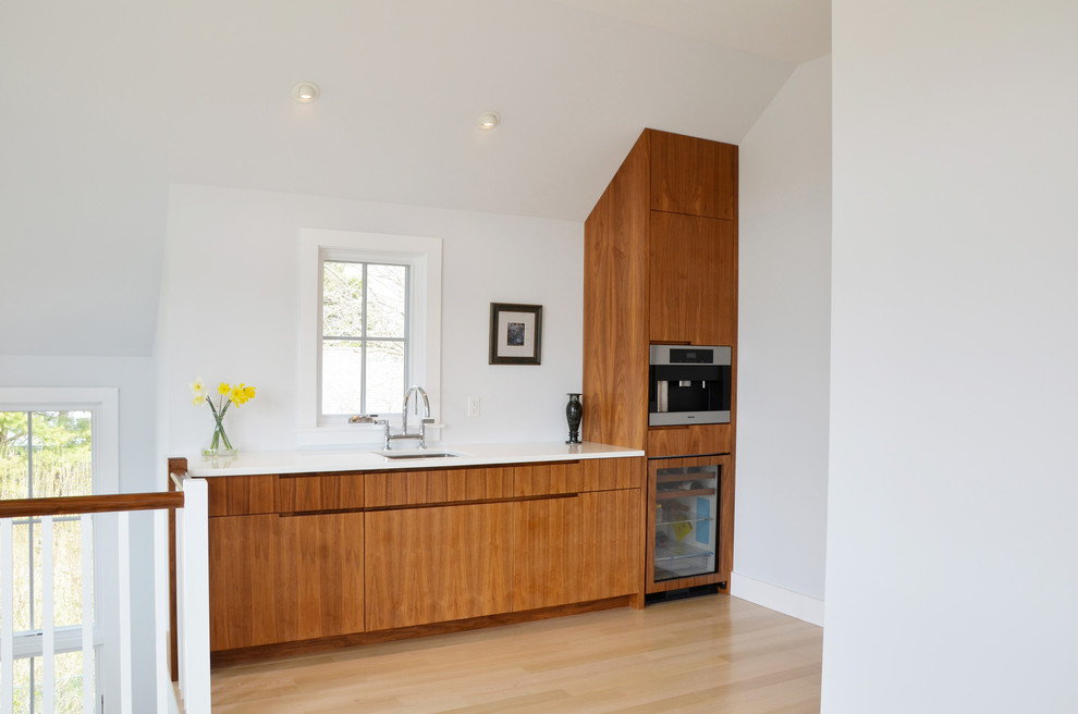Kitchen - contemporary kitchen idea in New York