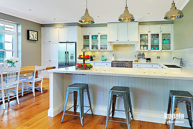 Hamptons kitchen traditional kitchen sydney by for Hampton style kitchen stools