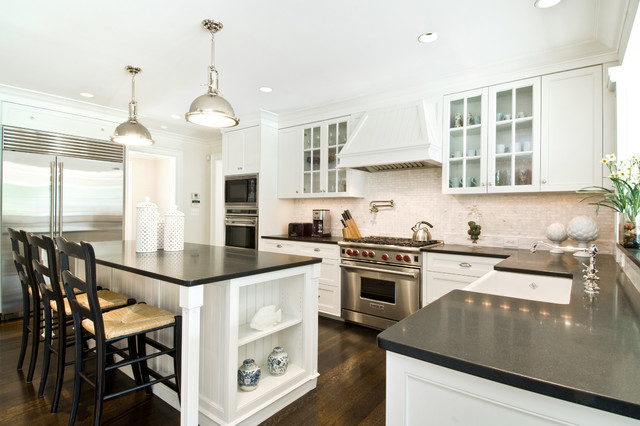 Hamptons style kitchen beach style kitchen new york for New york style kitchen design