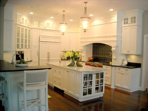 Hamptons white kitchen traditional kitchen