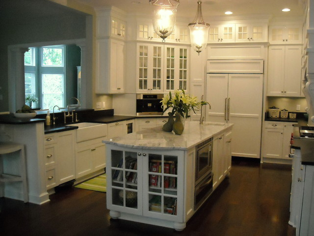 Charming Hamptons White Kitchen Traditional Kitchen Pictures