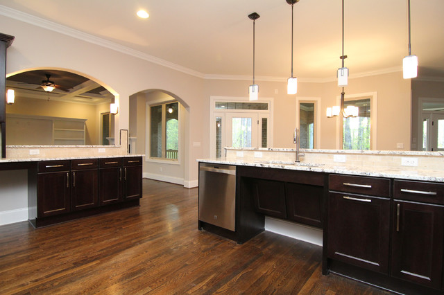 Handicapped accessible kitchen - Traditional - Kitchen ...