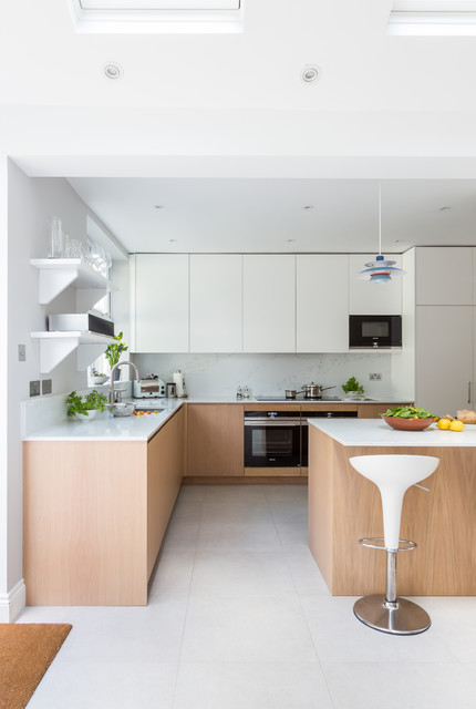 Handle less in Oak and White - Scandinavian - Kitchen ...