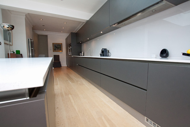 Handleless Matt Grey Kitchen Modern Kitchen London By LWK - Matt grey kitchen doors