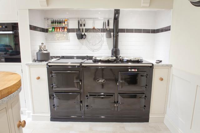 Danbury Grove Traditional Kitchen East Anglia By Baker Baker Bespoke Kitchens Furniture