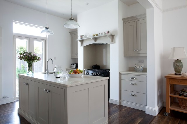 Hannaville park contemporary kitchen dublin by for Hardwick white kitchen cabinets