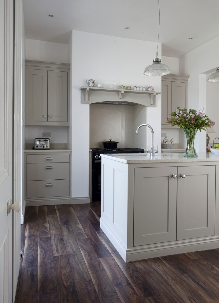 Inspiration for a contemporary kitchen remodel in Dublin