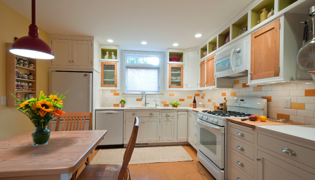 Happy Kitchen traditional-kitchen