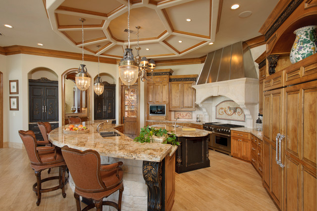 Harbor breeze lake home mediterranean kitchen for Kitchen island houston