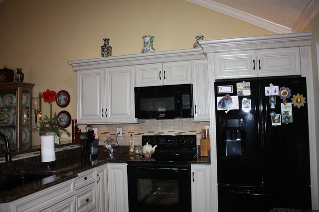 ~Harris Residence~ traditional-kitchen