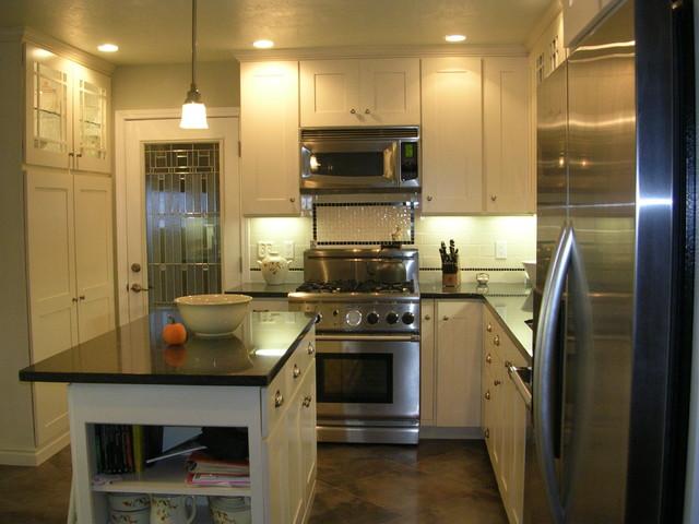 Harrison Kitchen traditional-kitchen