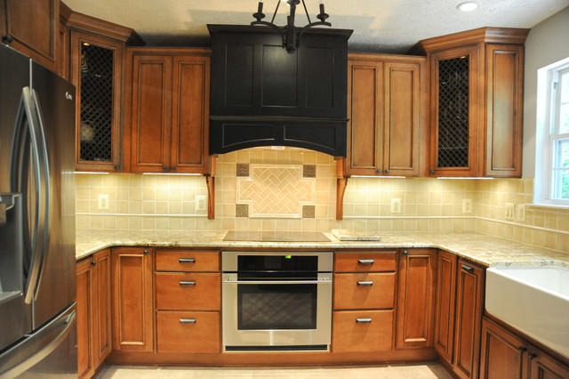 Harwood Kitchen traditional-kitchen
