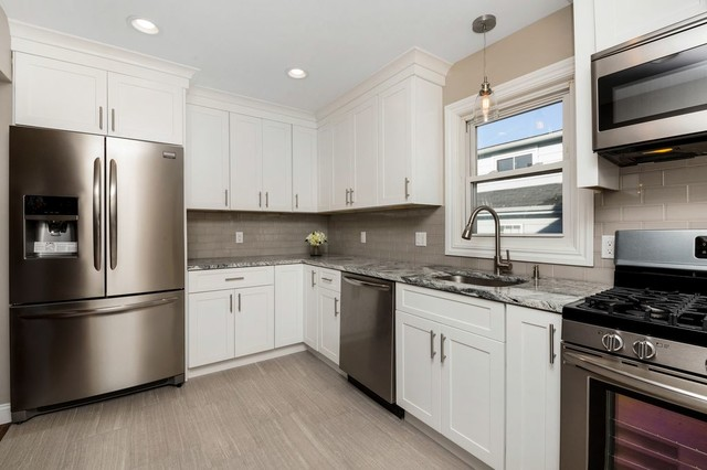 Hasbrouck heights nj fabuwood allure galaxy frost kitchen for Allure kitchen cabinets