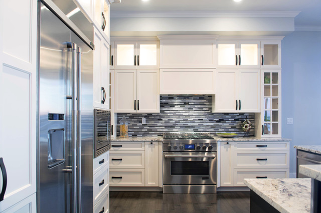 kitchen hastings color outside the lines in kitchen. Black Bedroom Furniture Sets. Home Design Ideas