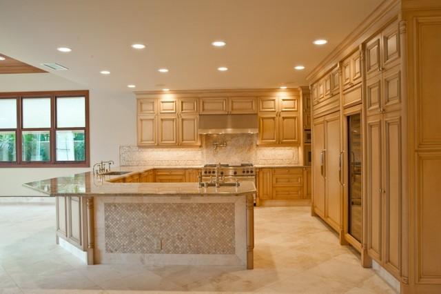 Hawaiian Estate Kitchen in Authentic Durango Veracruz™ modern-kitchen