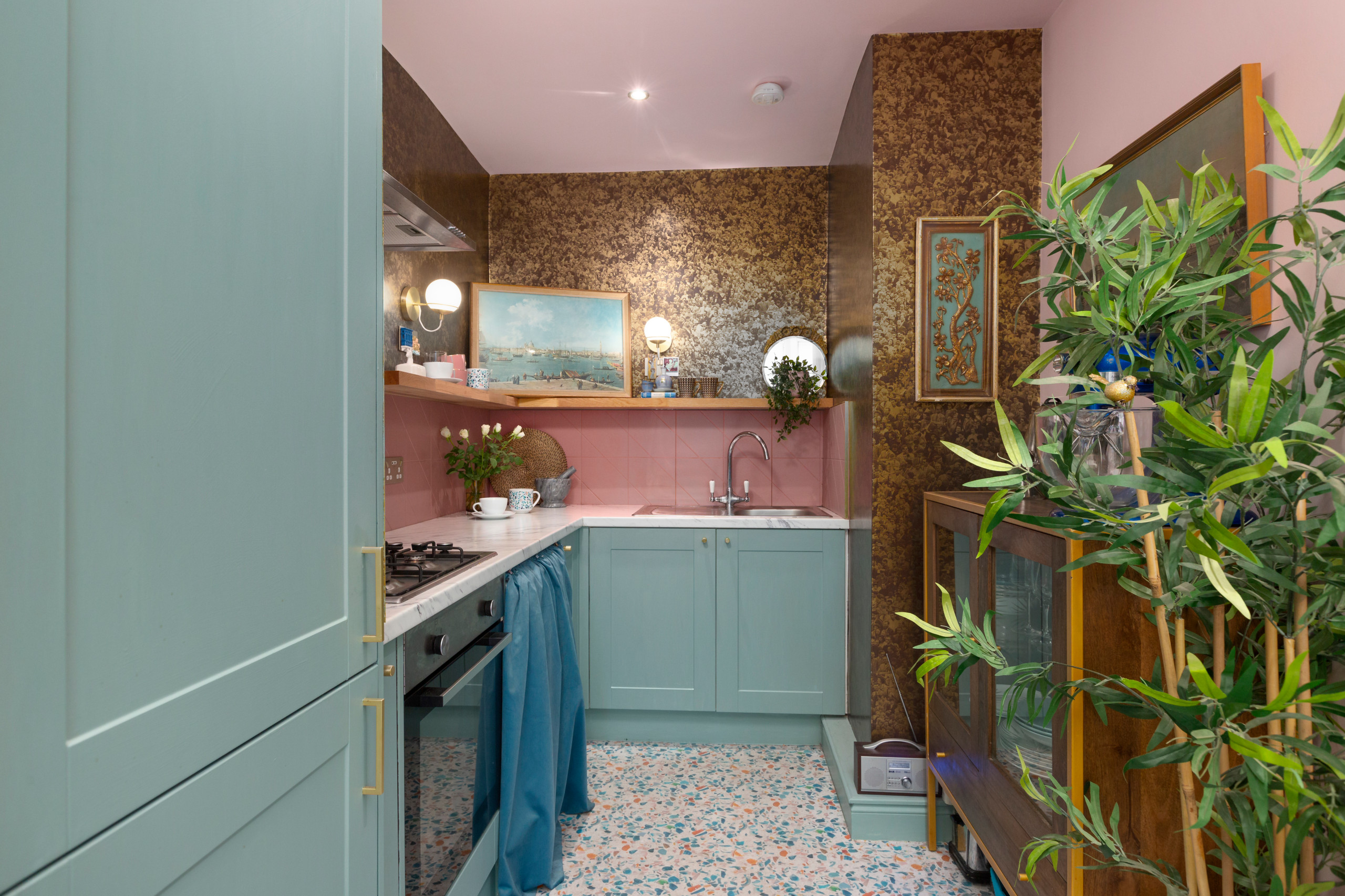 75 Beautiful Kitchen With Pink Backsplash Pictures Ideas January 2021 Houzz