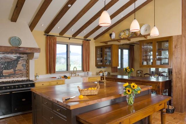Healdsburg Hilltop Tuscan Style Farmhouse