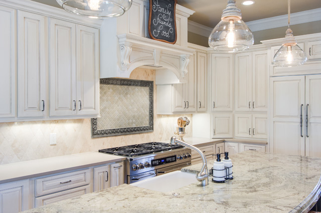 Island And Range Area Traditional Kitchen Dallas By Kitchen Design Concepts