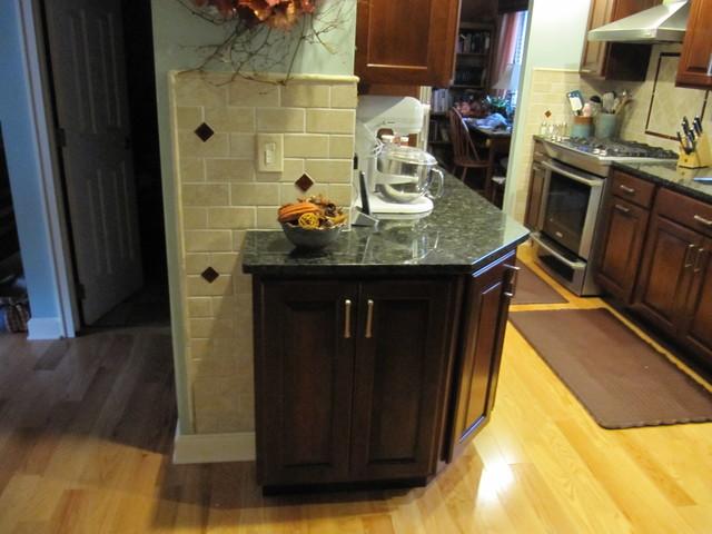 Helmart Jade Green Granite Traditional Kitchen Cincinnati By