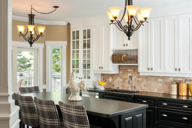 Inspiration For A Timeless Kitchen Remodel In Toronto With An Undermount Sink Gl Front