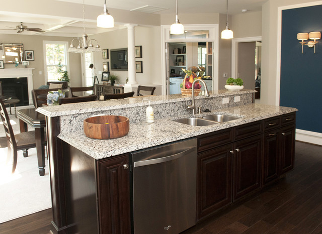 Heron Pointe by Eagle Construction traditional kitchen