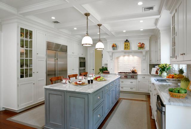 Hewlett Harbor Modified Shaker - Traditional - Kitchen - New York ...